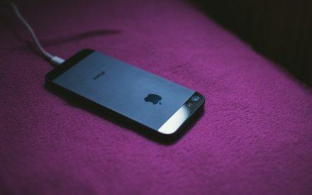Ładowanie iPhone'a